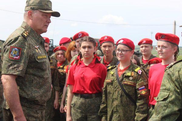 Юнармейцы клуба «Патриот» в гостях у военнослужащих 150-й дивизии. Фоторепортаж.