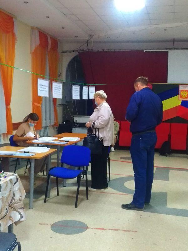 Первый день выборов депутатов Государственной Думы на избирательных участках, расположенных в помещениях Центра воспитания и досуга «Эстетика»